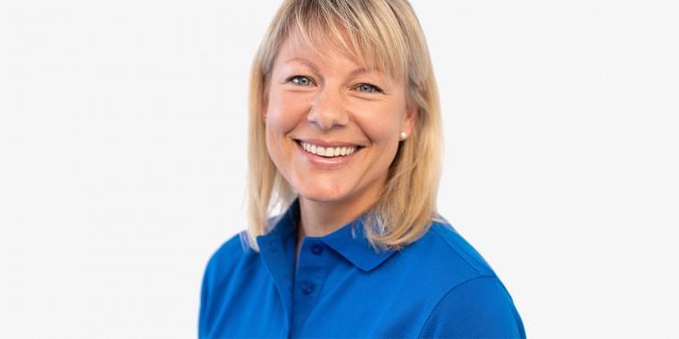 Angestellte Zahnärztin Dr. Stefanie Schröbel